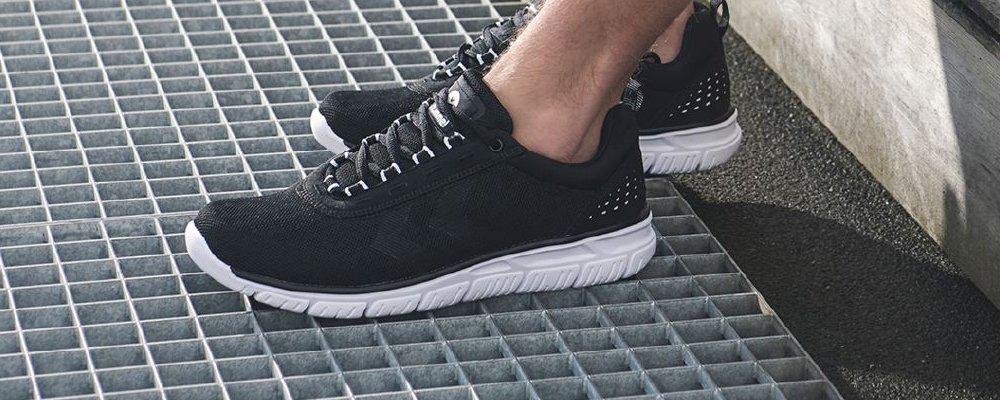 Тренировочные кроссовки Hummel Crosslite Dot4